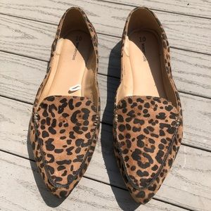 EUC Time and Tru Leopard Loafers